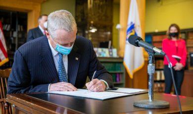 Governor Baker Signs Comprehensive Climate Change Legislation